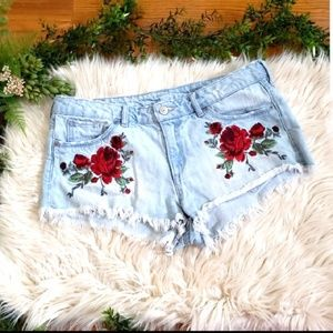 DIVIDED mini jean shorts with embroidered rose sz8